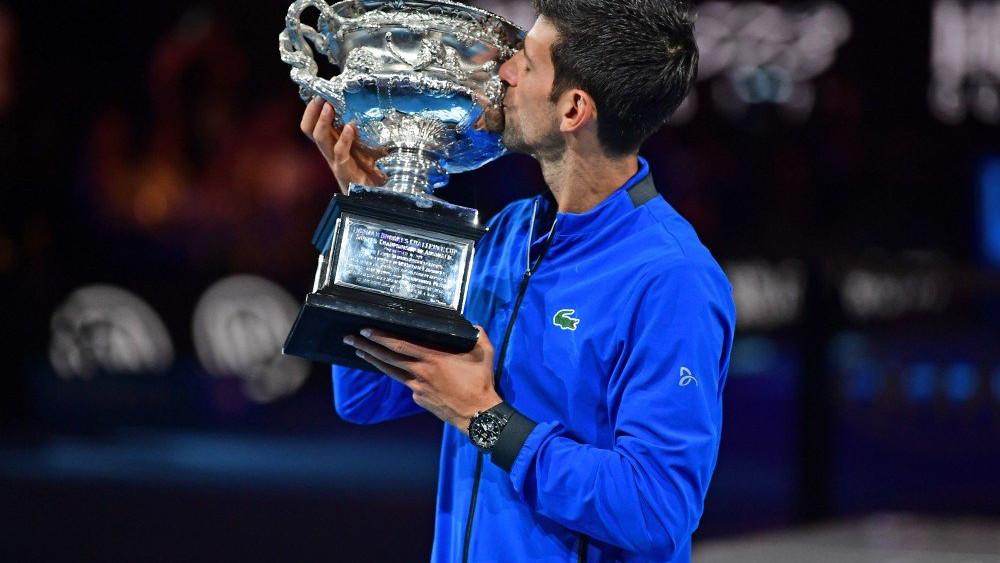 Novak-Djokovic-trofeo
